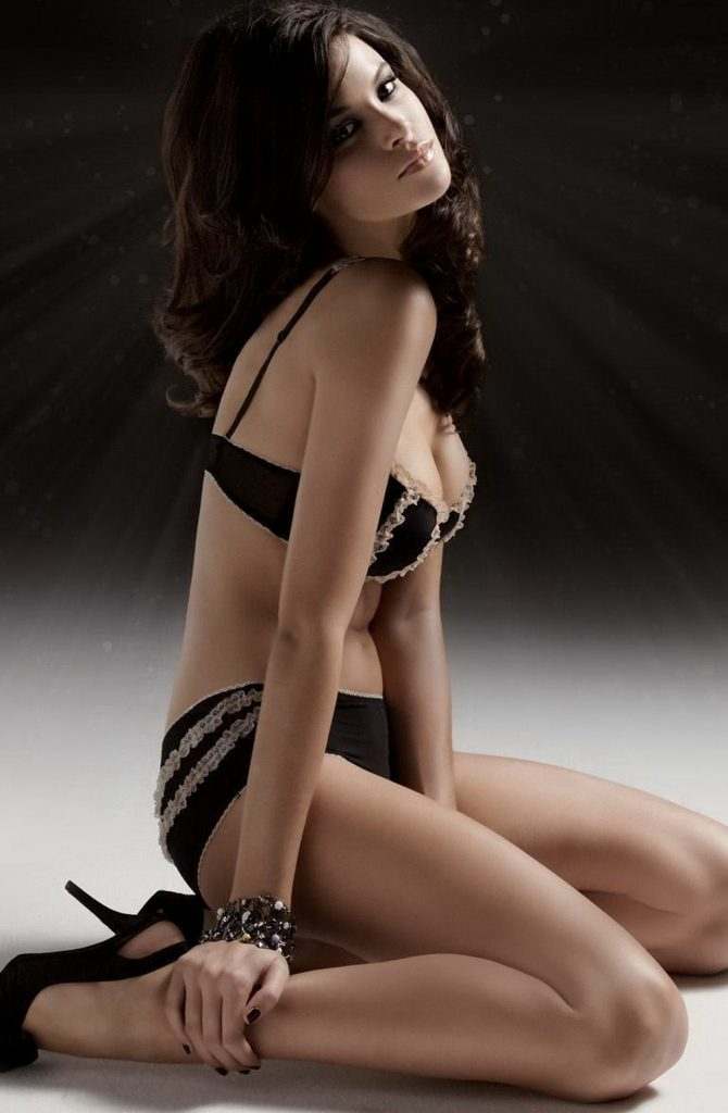 Cheap London escorts hot dame for party